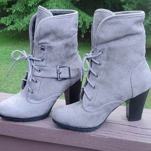 White  Mt. Booties Size 5.5